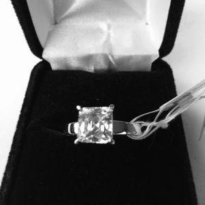 Simply gorgeous JTV Ss/cz ring size 8